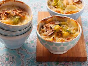 Kartoffelgratin mit Lauch und Nüssen Rezept