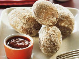 Kartoffeln in Salzkruste mit karibischer Soße (Mojo) Rezept