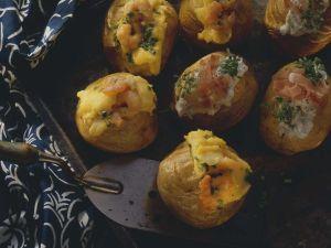 Kartoffeln mit zweierlei Füllung Rezept