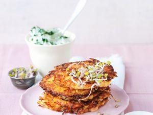 Kartoffelrösti mit Quarkdip und Sprossen Rezept