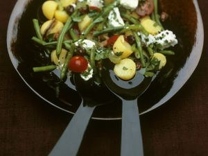 Kartoffelsalat auf mediterrane Art mit grünen Bohnen und Ziegenkäse Rezept