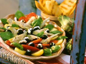 Kartoffelsalat mit Artischocken und Tomaten Rezept