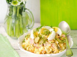 Kartoffelsalat mit Schinken und Ei Rezept