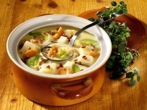Kartoffelsuppe mit Speck und Pilzen nach prager Art Rezept
