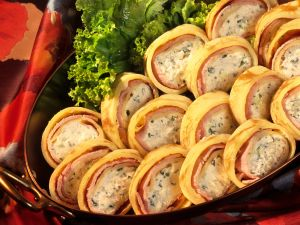 Kasseler-Pfannkuchen-Röllchen Rezept