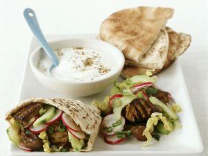 Kebab vom Lamm mit Pitabrot und Joghurtsauce Rezept