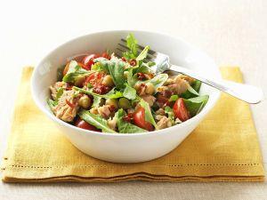 Kichererbsen-Salat mit Thunfisch und Cocktailtomaten Rezept