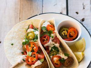 Kichererbsenbällchen mit Hummus und Tortillas Rezept