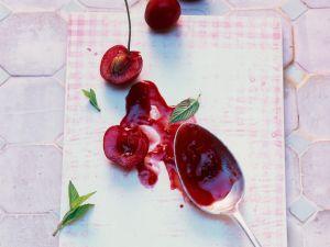 Kirschmarmelade mit Hagebutte Rezept