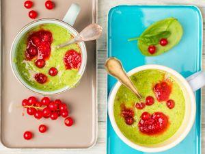 Kiwi-Spinat-Smoothie mit Johannisbeeren Rezept