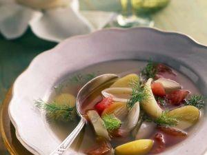 Klare Gemüsesuppe mit Fenchel und Kartoffeln Rezept