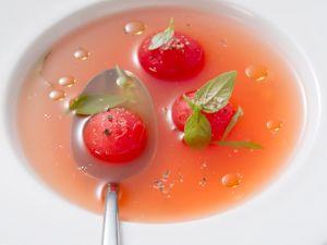 Klare Tomatensuppe (Consommé) Rezept