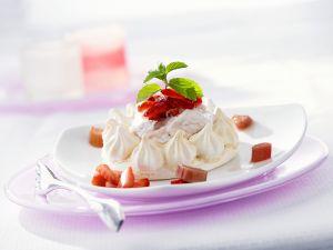 Kleine Meringues mit Erdbeeren Rezept
