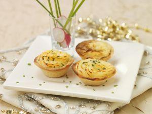 Kleine Pies mit Kartoffelpüree und Fisch Rezept