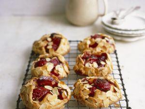 Kleine Zwetschgenkuchen mit Mandeln Rezept