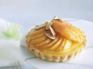 Kleiner Aprikosenkuchen mit Mandeln Rezept