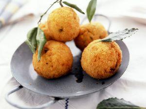 Knusprige Reisbällchen auf italienische Art Rezept