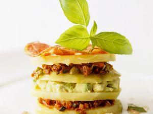 Kohlrabi-Türmchen mit Avocado Rezept