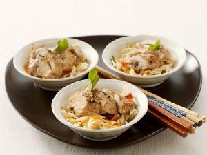 Kohlsalat mit Korianderhähnchenbrust Rezept