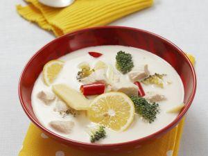 Kokos-Hähnchen-Suppe mit Zitrone Rezept