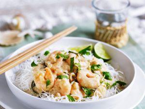 Kokos-Shrimps auf Reisnudeln Rezept