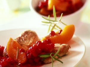 Kompott aus Prisichen und Preiselbeeren Rezept