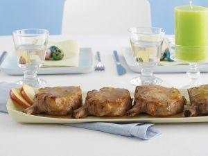 Koteletts mit Ingwer-Apfel-Soße Rezept