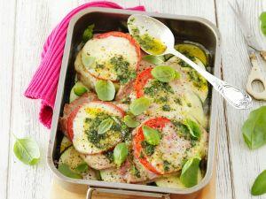 Koteletts mit Tomate, Mozzarella und Zucchini Rezept
