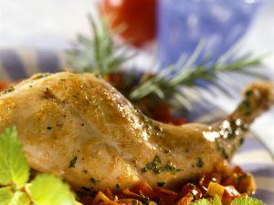 Kräuter-Kaninchenkeulen mit Gemüse Rezept