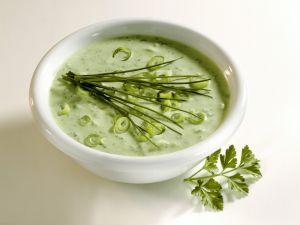 Kräuter-Lauchzwiebel-Soße Rezept