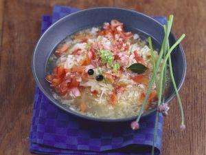 Kraut-Paprika-Suppe mit Speck Rezept