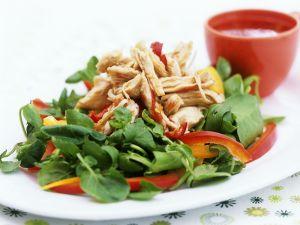 Kresse-Spinatsalat mit Hähnchen Rezept