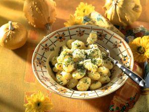 Kürbis-Käse-Gnocchi mit Kräutern Rezept