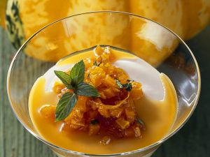 Kürbis-Karamellcreme und mit Orange Rezept