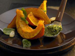 Kürbis mit grünem Pesto Rezept