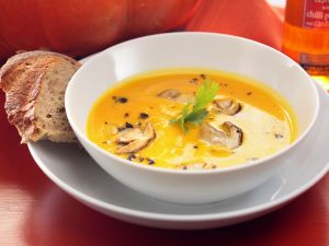 Kürbis-Pilz-Suppe Rezept