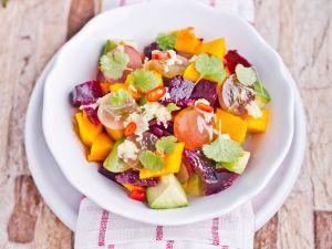Kürbis-Rote-Bete-Salat mit Koriander Rezept