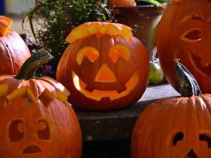 Den eigenen Halloween-Kürbis schnitzen