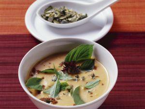 Kürbissuppe mit Kokos, Ingwer und Zimt Rezept