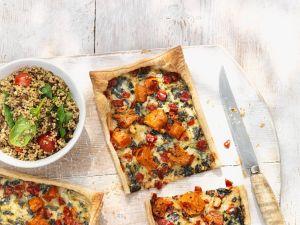 Kürbistarte mit Spinat und Tomaten Rezept