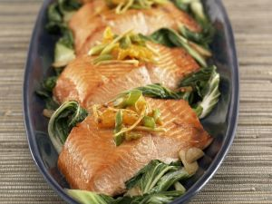 Lachs auf Mangoldgemüse Rezept