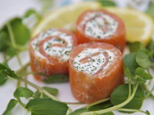 Lachs-Frischkäse-Röllchen Rezept