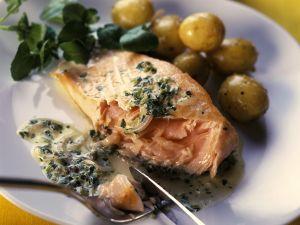 Lachs mit Kapernsauce und Kartoffeln Rezept