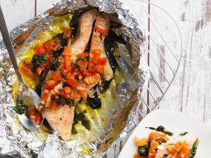 Lachsfilet aus der Folie mit Gemüse Rezept