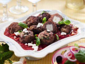 Lamm-Feta-Bällchen mit Tomatensugo Rezept