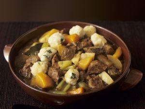Lamm-Gemüse-Topf mit Klößchen Rezept