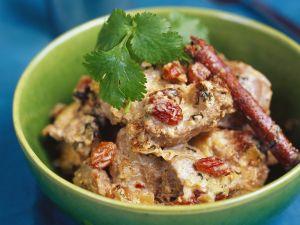 Lammcurry auf nordindische Art mit Rosinen (Moghlai) Rezept