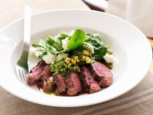 Lammrücken mit Spinat-Feta-Salat Rezept