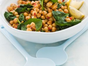 Lauwarmer Kichererbsensalat mit Spinat Rezept