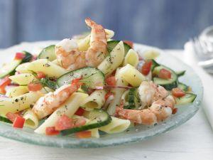 Lauwarmer Nudel-Gurken-Salat Rezept